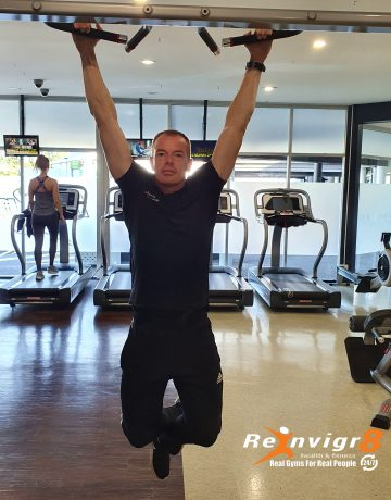 Personal Trainer deomonstrating Dead Hand Exercise Challenge
